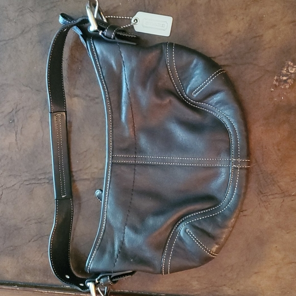 Coach Handbags - Coach small leather bag